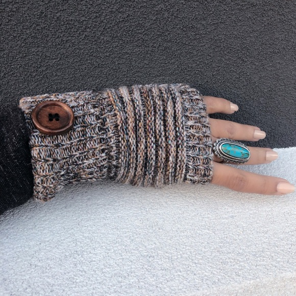 Evolving Always Accessories - New Fingerless Gloves